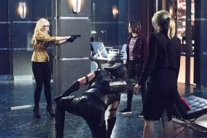 arrow brie gun to thea felicity and oliver