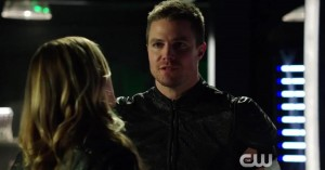 arrow oliver and felicity try to work together