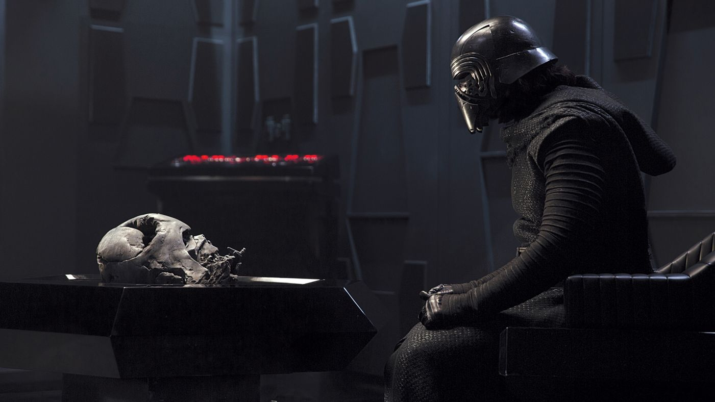 Kylo Ren S Helmet Will Have A Reason To Be Worn In Star Wars The Rise Of Skywalker Sciencefiction Com