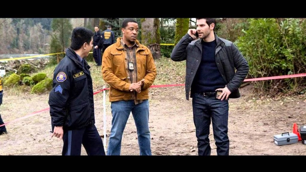Nick, Hank, and Wu investigate a mysterious beheading.