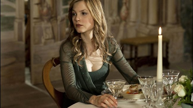 sylvia-hoeks-the-best-offer