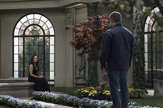 Dean faces Amara and reminds her of the importance of family.
