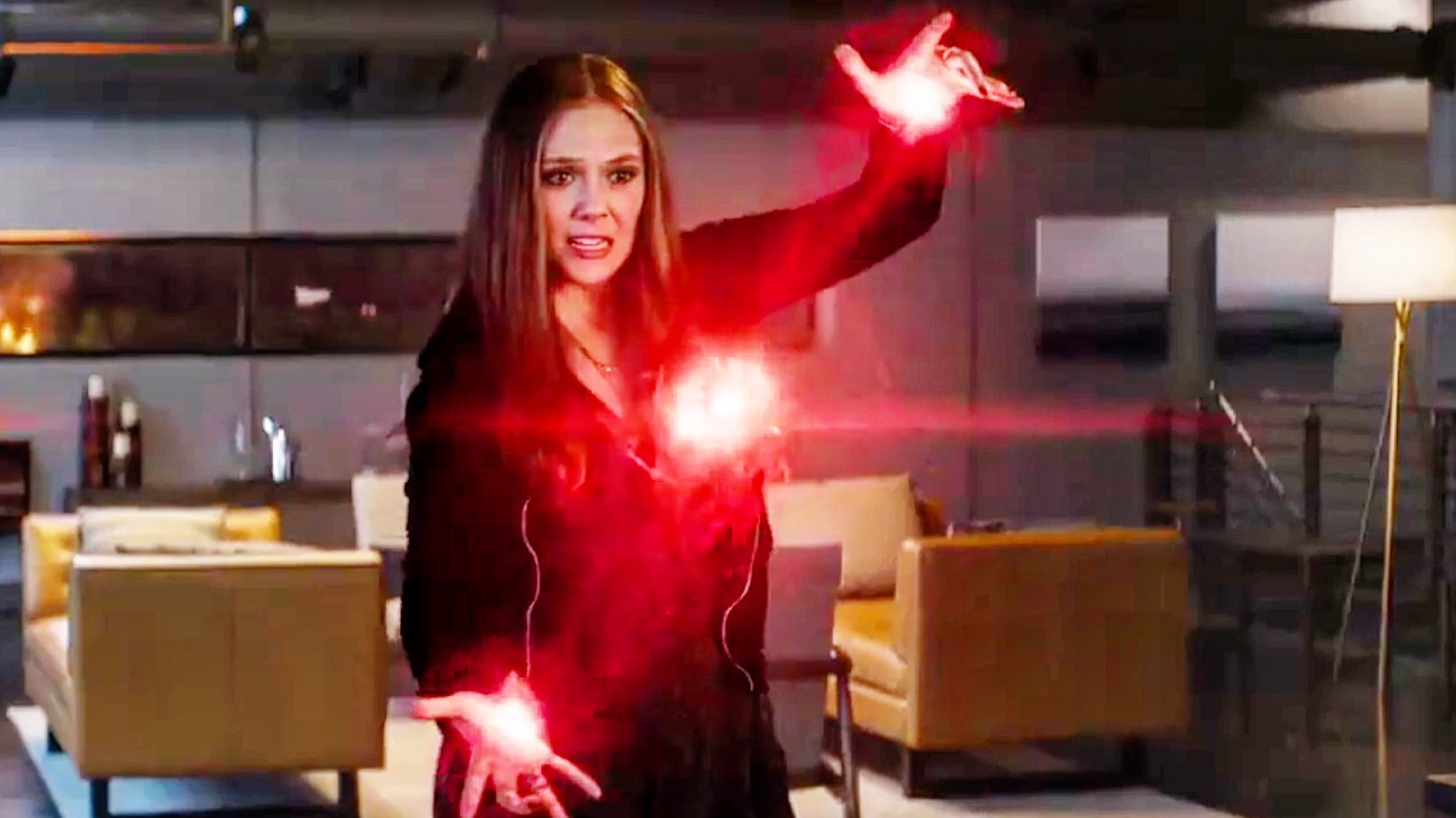 Elizabeth-Olsen-Scarlet-Witch-Civil-War2