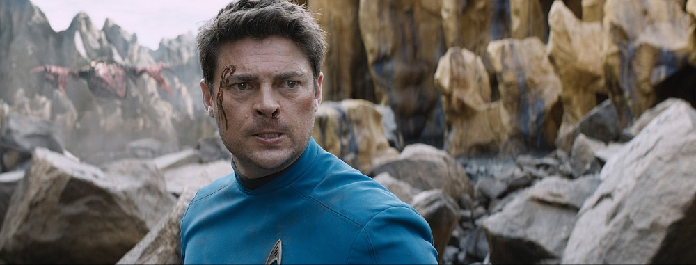 Karl-Urban-in-Bones-in-Star-Trek-Beyond