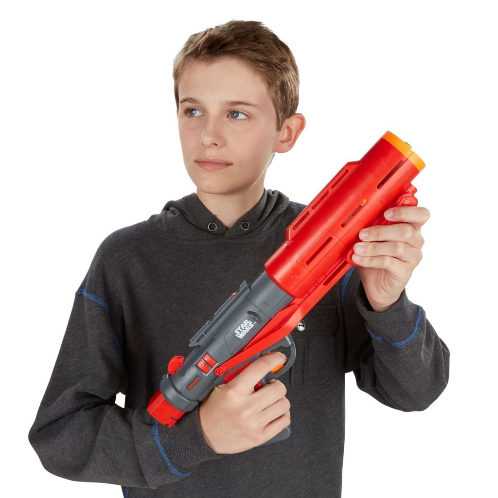 ROGUE-ONE-A-STAR-WARS-STORY-NERF-GlowStrike-IMPERIAL-DEATH-TROOPER-DELUXE-Blaster-lifestyle1