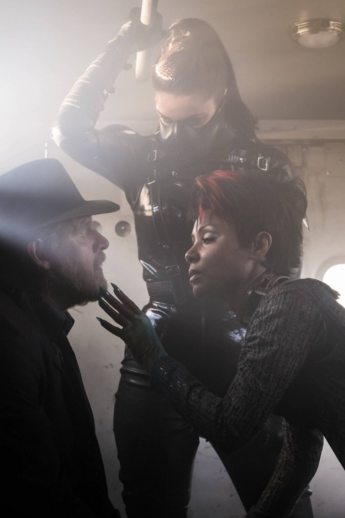 gotham-season-3-images-donal-logue-jada-pinkett-smith