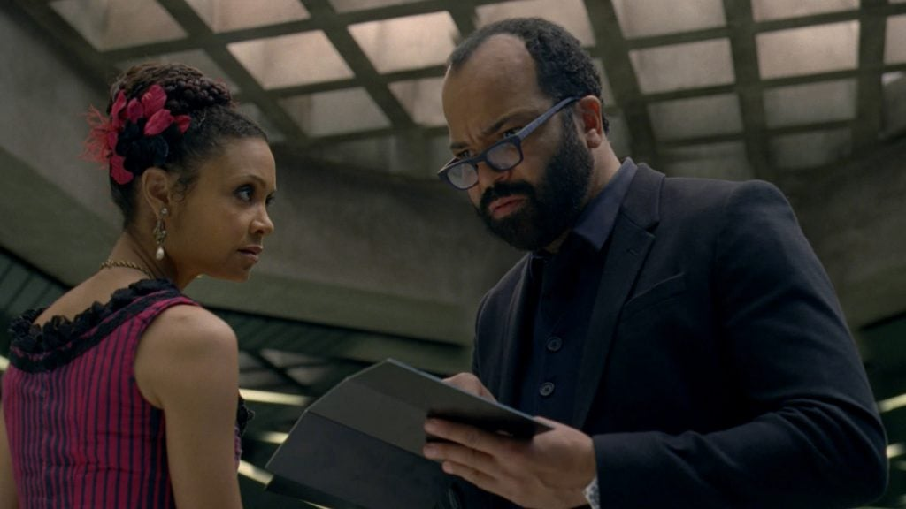 ww-thandie-newton-as-maeve-and-jeffrey-wright-as-bernard-credit-john-p-johnson-hbo
