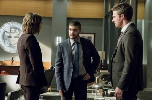 arrow thea ollie and rene in the office
