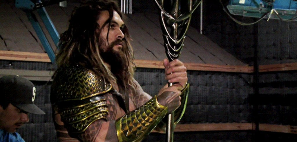 Jason-Momoa-Aquaman-Pictures