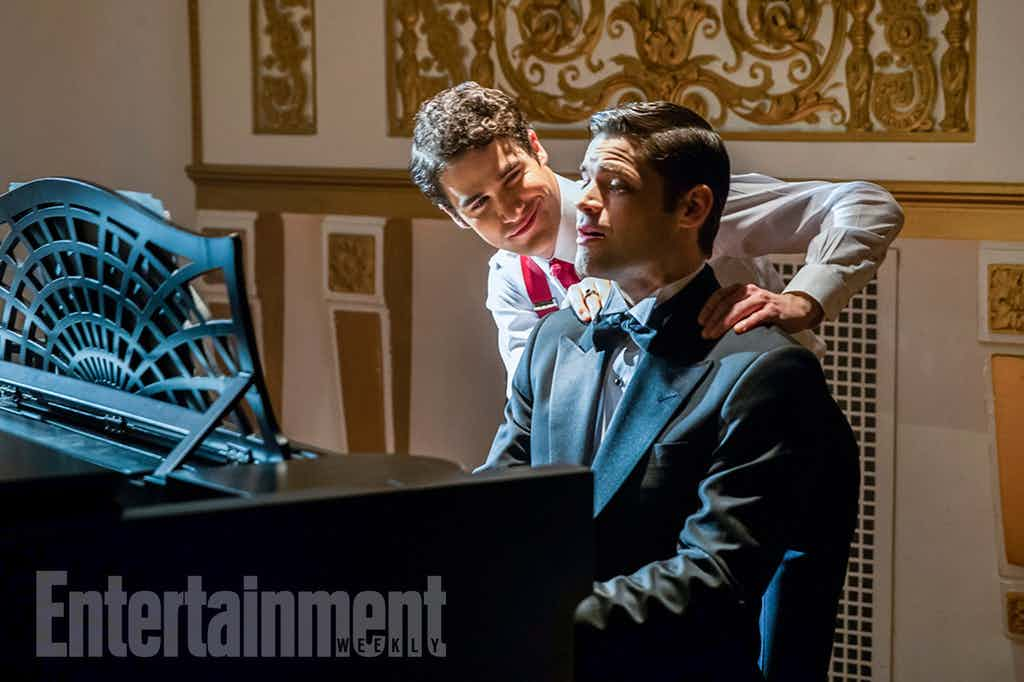 The-Flash-Supergirl-Musical-Darren-Criss-Music-Meister-Jeremy-Jordan-Winn-Schott