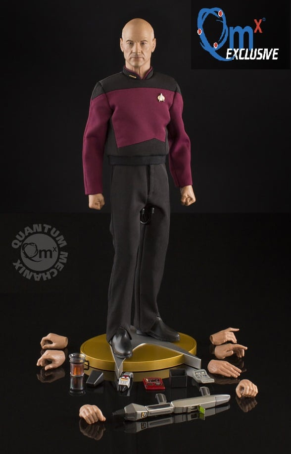 QMX-Star-Trek-TNG-Captain-Picard-Figure-007