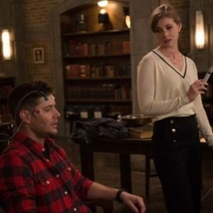 Dean readies to go into Mary's mind with help from Lady Antonia.