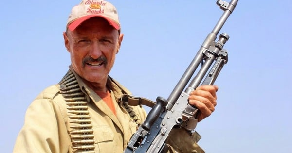 Michael Gross Burt Gummer Tremors