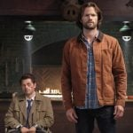 """Supernatural -- """"Stranger in a Strange Land"""" -- Image Number: SN1401b_0175b.jpg -- Pictured (L-R): Misha Collins as Castiel and Jared Padalecki as Sam -- Photo: Bettina Strauss/The CW -- © 2018 The CW Network, LLC All Rights Reserved"""