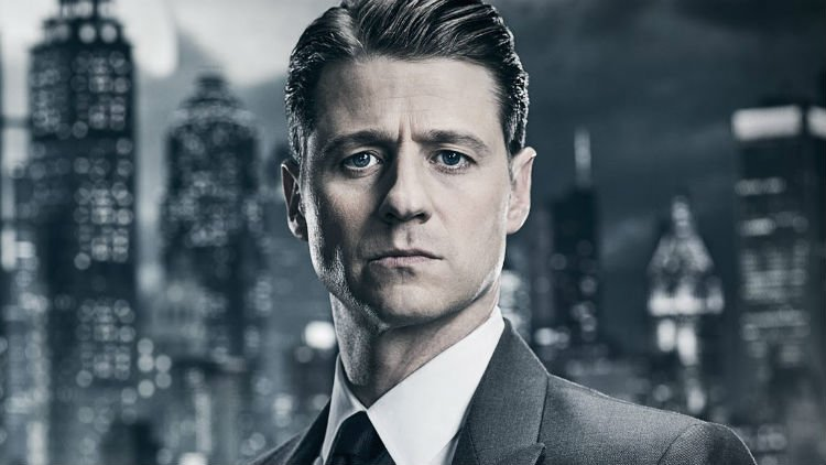 Jim Gordon Is Starting To Look His Age In This Gotham Photo