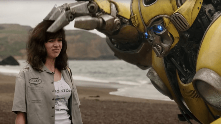 Bumblebee Will Buzz Into Theaters For A Preview On December 8