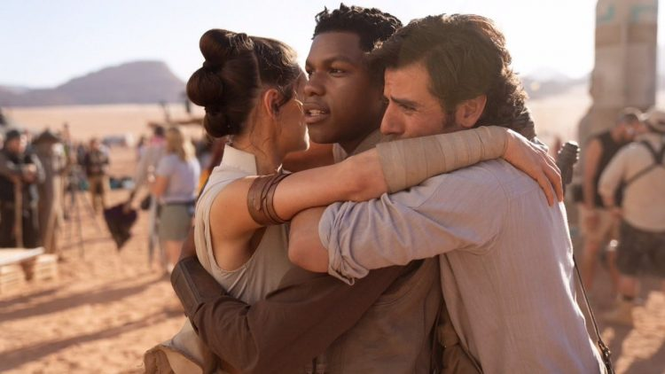 'Star Wars' Fans Shouldn't Expect Lucasfilm To Start Acting Like Marvel Studios
