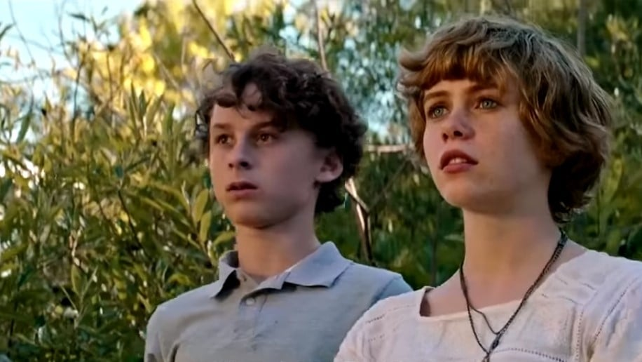 Sophia Lillis And Wyatt Oleff in I Am Not Okay With This
