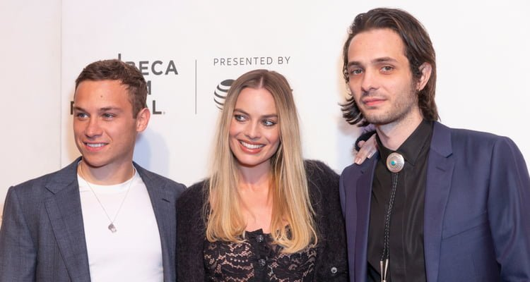 Finn Cole, Margot Robbie, Miles Joris-Peyrafitte