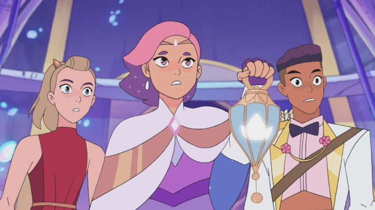 "She-Ra And The Princesses Of Power : The Best Friend Squad Takes On ""An Angry Monster Worm Thing"" In This S4 Clip"