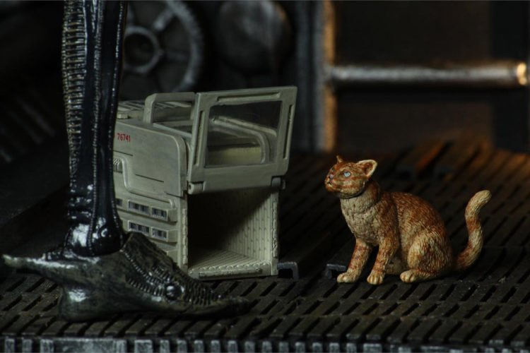 Toy News Tuesday: cat figurine