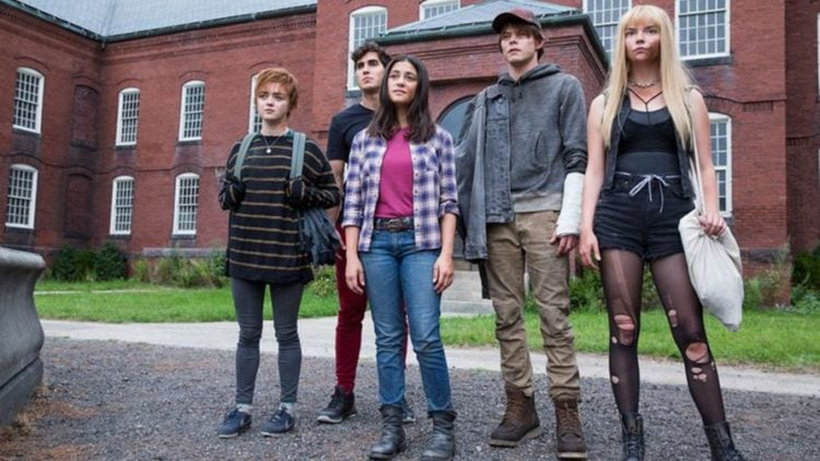 New Mutants screen image:  Charlie Heaton as Sam Guthrie/Cannonball, Blu Hunt as Danielle Moonstar/Mirage, Anya Taylor-Joy as Illyana Rasputin/Magik, Maisie Williams as Rahne Sinclair, and Henry Zaga as Roberto DaCosta/Sunspot
